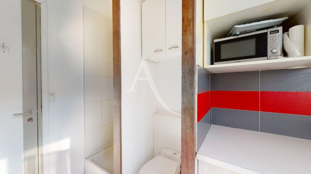 appartement a vendre alfortville: studette 9 m², avec douche et toilette au 1er étage