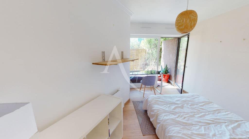 agence immobilière 94: 3 pièces 54 m², chambre à coucher, terrasse donnant sur le jardin