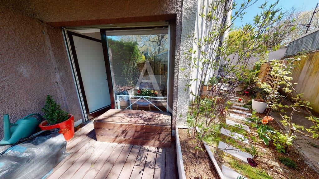 l4adresse: 3 pièces 54 m², dégagement de la terrasse pour rangement, jardin 39 m²