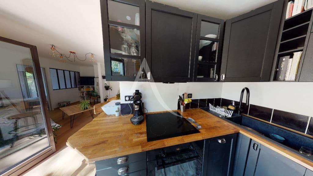 agence immobiliere du val de marne: 3 pièces 54 m², cuisine équipée, nombreux rangements