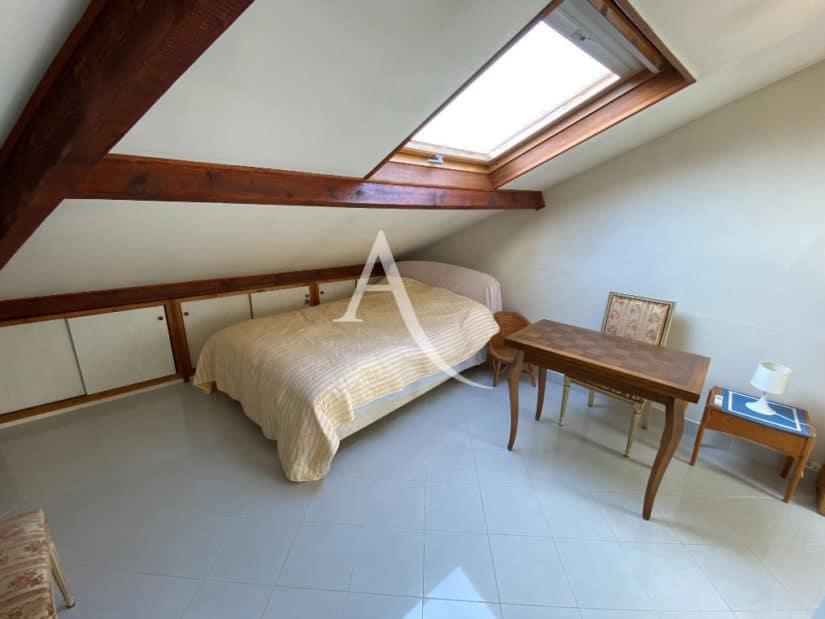 immobilier 94: maison 7 pièces 191 m², chambre mansardée avec vélux
