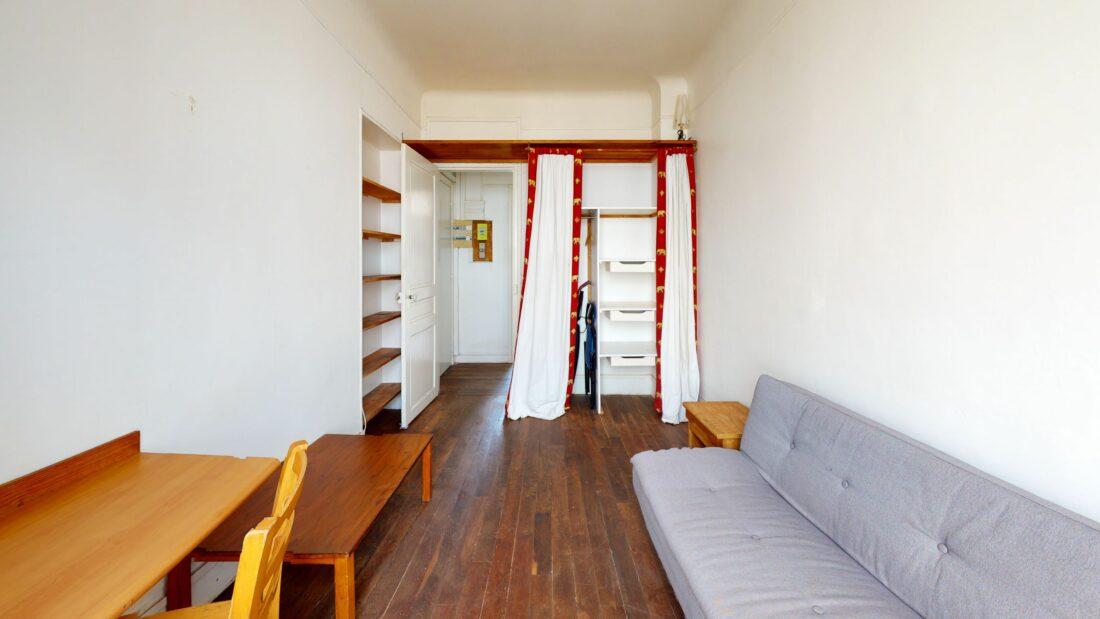 location appartement - montreuil studio meublé 20 m² - aperçu hall d'entrée et rangements