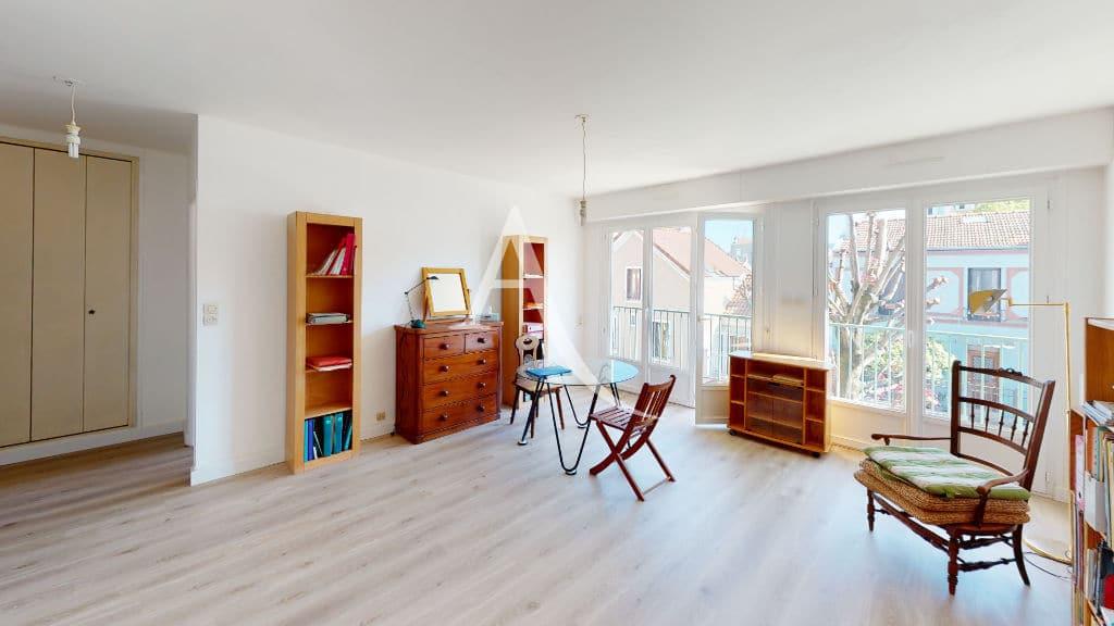 appartement a vendre alfortville: 3 pièces 65 m², séjour lumineux avec balcon