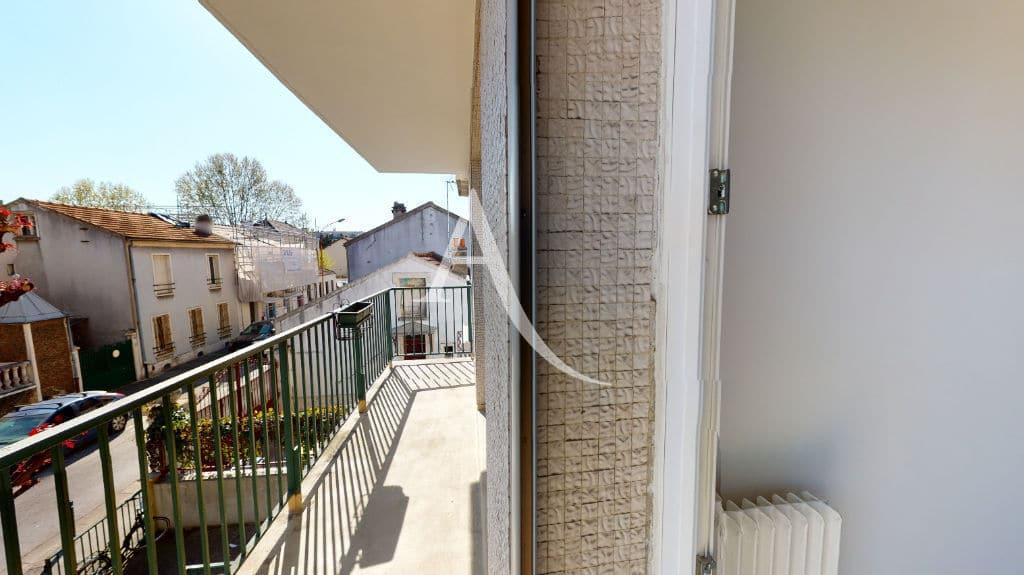 agence alfortville: 3 pièces 65 m², balcon couvert donnant sur le séjour