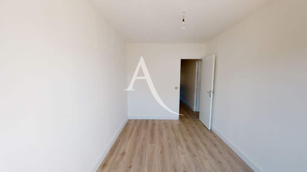 appartement alfortville: 3 pièces 65 m², chambre à coucher, suspension pour lustre