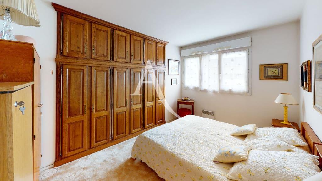 achat appartement charenton le pont: 4 pièces 83 m², chambre lit double avec noubreux placards