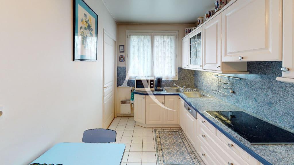 appartement à vendre à charenton le pont: 4 pièces 83 m², cuisine indépendante dînatoire équipée