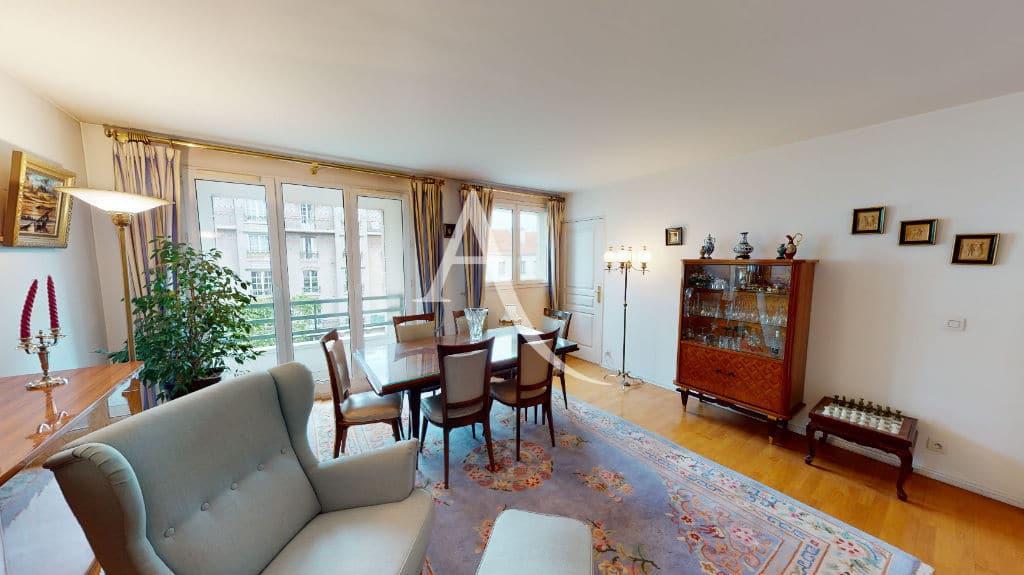 appartement à vendre à charenton: 4 pièces 83 m², pièce à vivre parquettée avec balcon