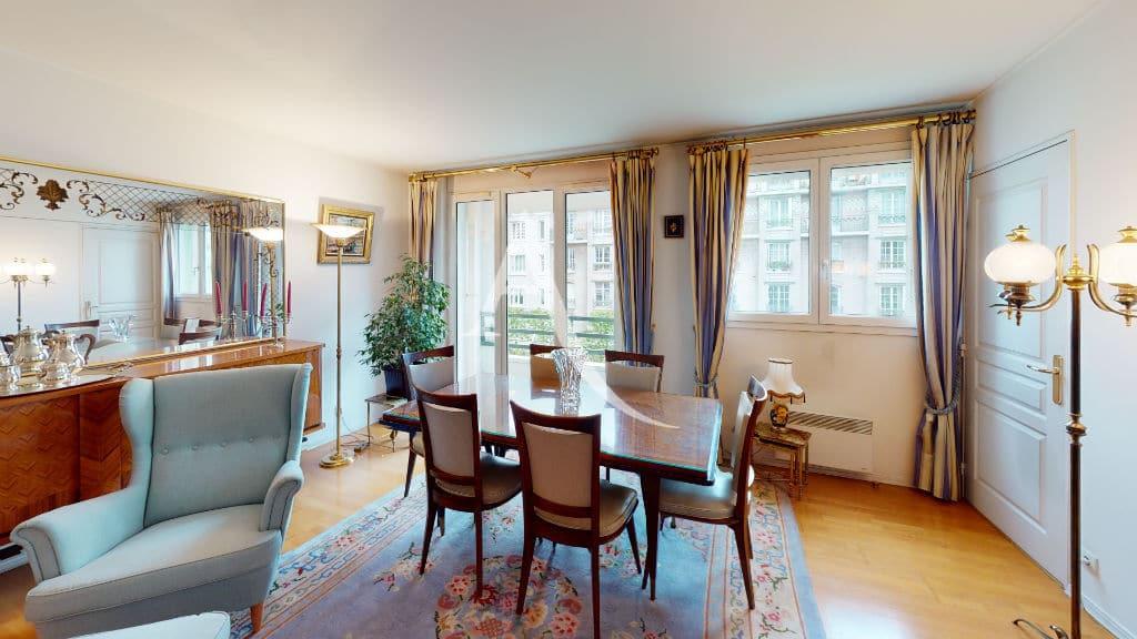 acheter à charenton: 4 pièces 83 m², pièce à vivre avec aperçu balcon
