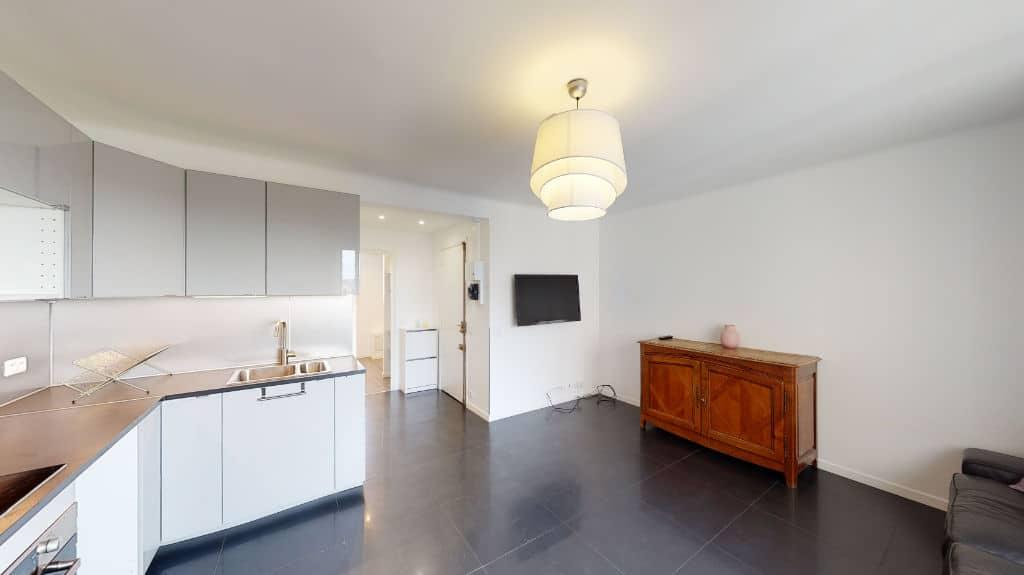 agence immobilière charenton-le-pont: 2 pièces 33 m², cuisine ouverte, aménagée et équipée