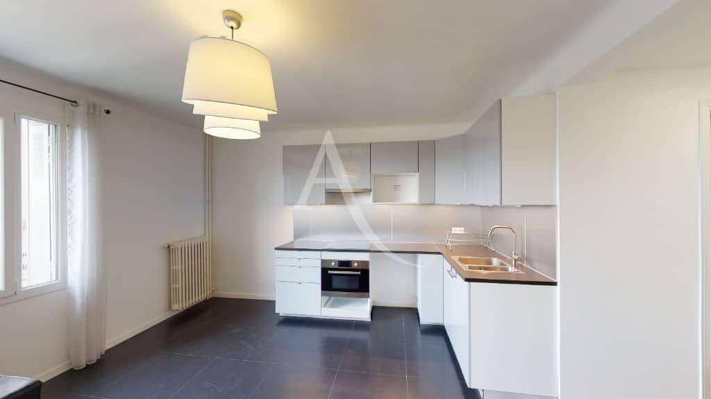 appartement à vendre charenton le pont: 2 pièces 33 m², cuisine ouverte sur le séjour