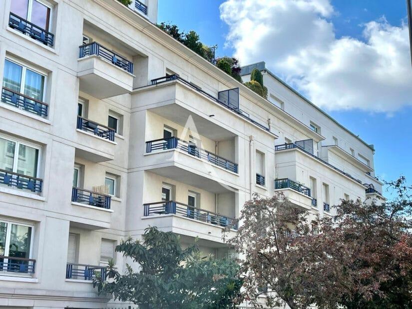agence immo charenton le pont: 3 pièces 62 m² traversant avec terrasse, cave et box en sous-sol, proche métro ligne 8