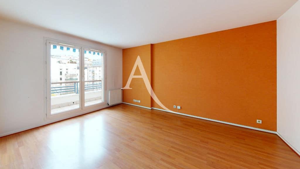 appartement charenton le pont: 3 pièces 62 m², séjour lumineux avec terrasse