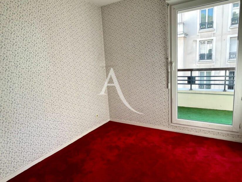 appartement à vendre à charenton le pont: 3 pièces 62 m², 2° chambre, balcon, moquette rouge