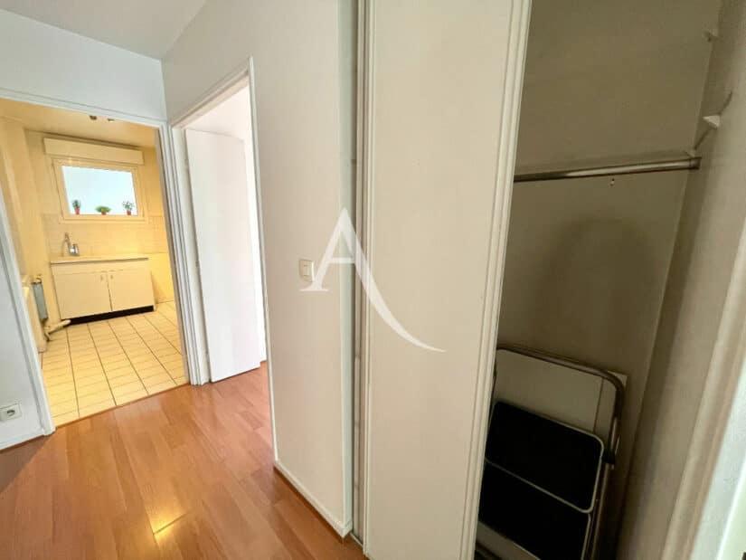appartement à vendre charenton-le-pont: 3 pièces 62 m², penderie dans l'entrée