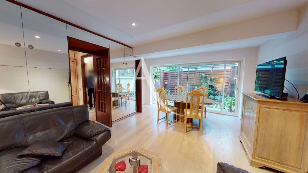 vente maison charenton le pont: 4 pièces 90 m², salon lumineux avec terrasse de 11 m²