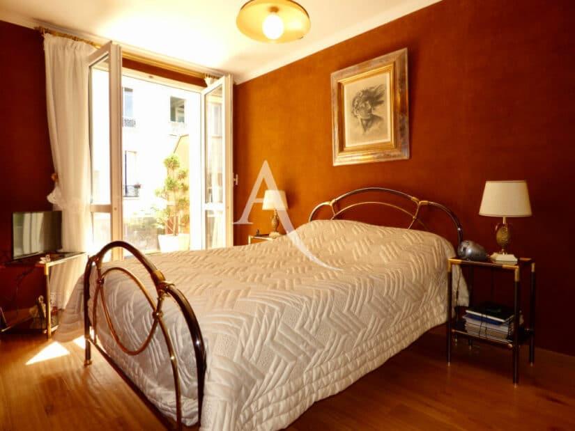 immobilier charenton le pont: 4 pièces 90 m², chambre à coucher avec terrasse