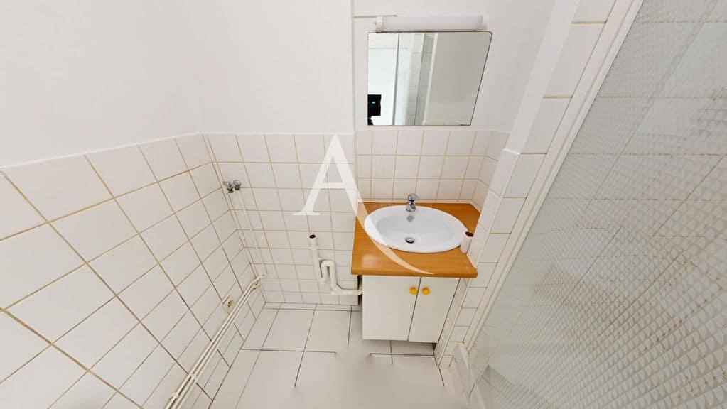 agence immo alfortville: 2 pièces 39 m², salle d'eau avec alimentation et évacuation pour lave-linge