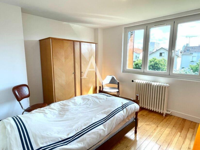 vente maison à maisons alfort: 5 pièces 111 m², chambre à coucher avec parquet au sol