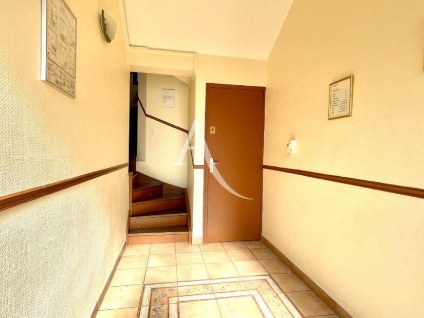 agence immo maison-alfort: 2 pièces 35 m², immeuble calme au 2°étage