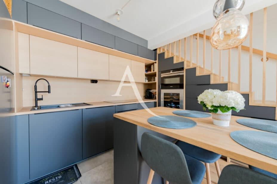 agence immo maisons-alfort: 4 pièces 91 m², cuisine aménagée et équipée