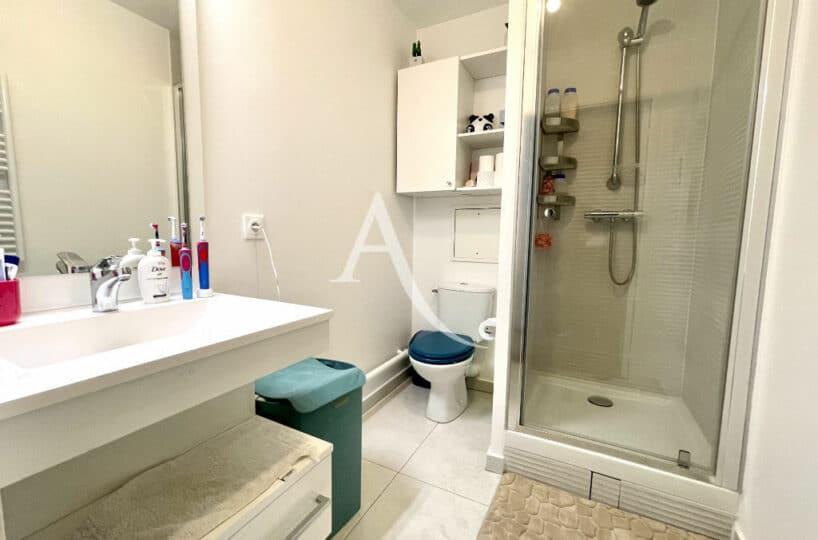 agence immo maisons alfort: 4 pièces 91 m², salle d'eau avec douche et wc