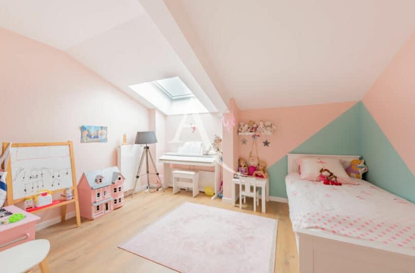 maison alfort immobilier: 4 pièces 91 m², à l'étage chambre à coucher enfant