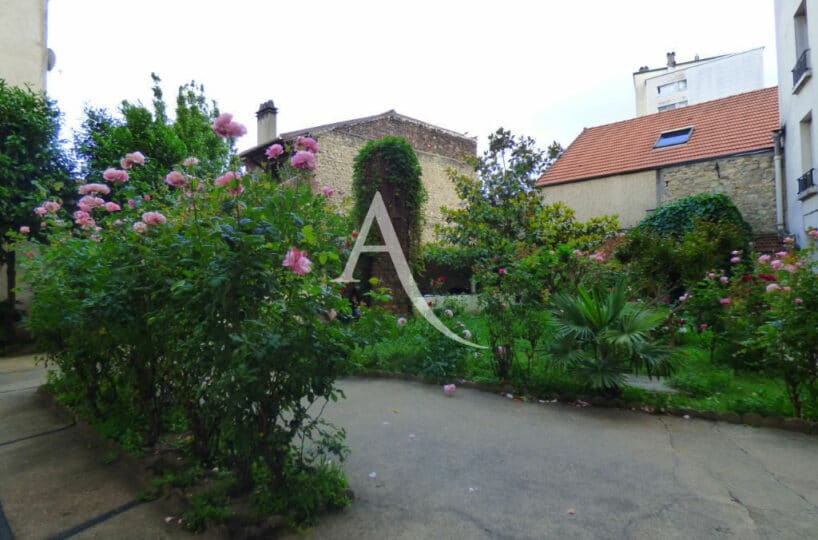 location studio maisons-alfort: 27 m² sans vis-à-vis donnant sur un jardin, bien agencé et entièrement rénové, rue jean jaurès