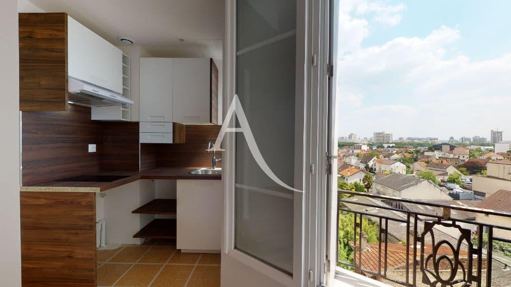 agence immobilière maison alfort: 27 m², cuisine us dans la pièce à vivre