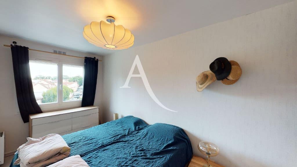 agences immobilières maisons alfort: 3 pièces 61 m², chambre à coucher, lit double