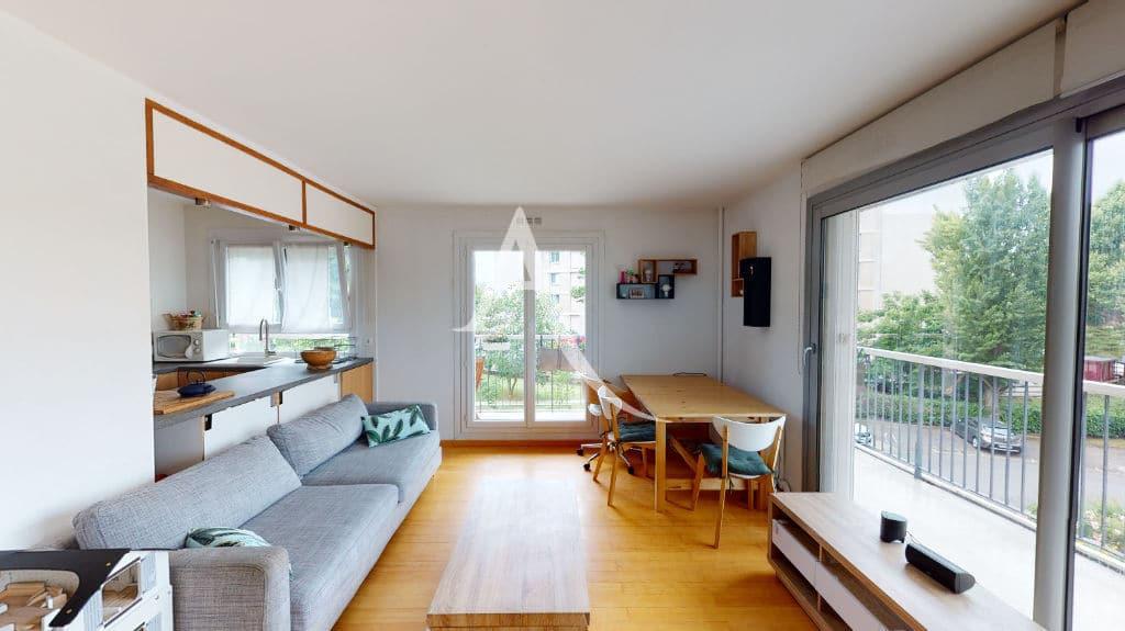 agence immo maisons alfort: 3 pièces 61 m², beau séjour avec de grandes baies vitrées