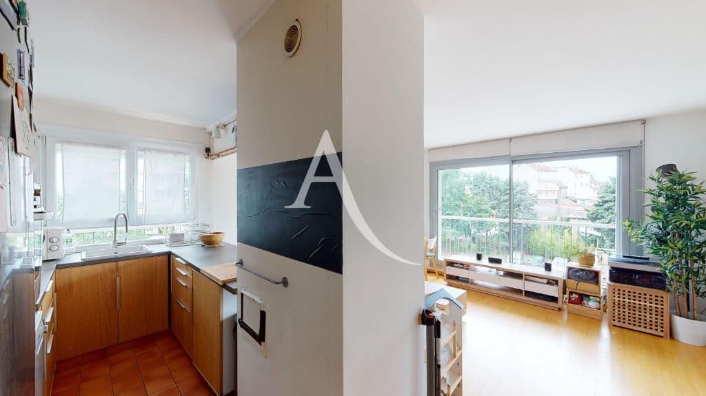 appartement maison alfort: 3 pièces 61 m², cuisine moderne ouverte sur le séjour
