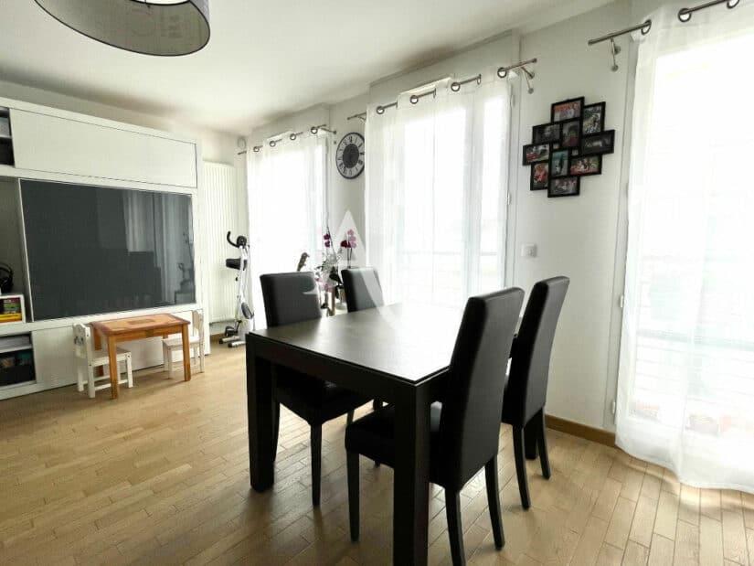 vente appartement maisons-alfort: 3 pièces 67 m², grande pièce principale, parquet au sol
