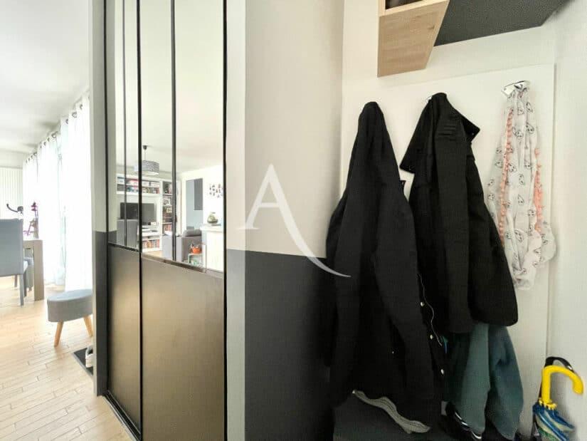 appartement a vendre maisons alfort: 3 pièces 67 m², entrée dégagée, porte-manteaux