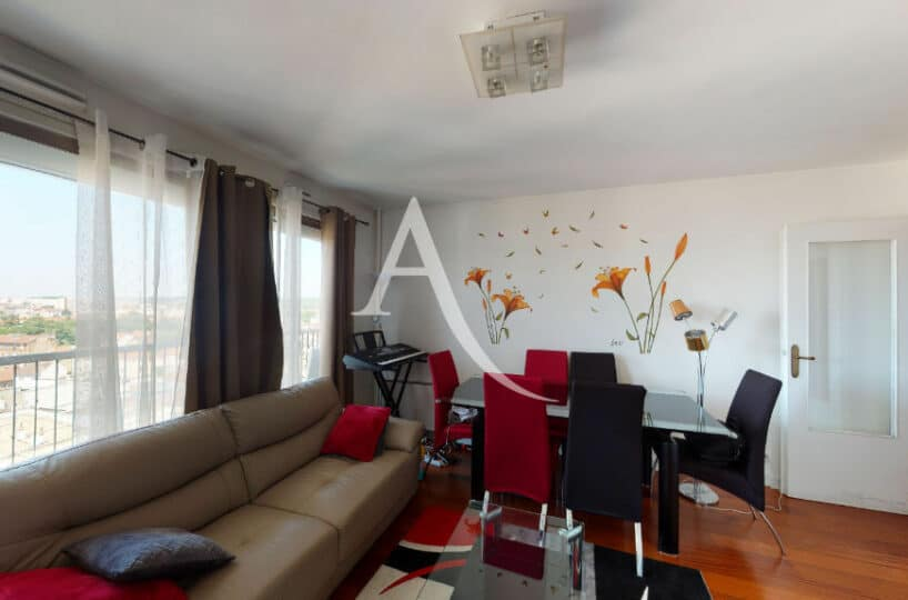 agence immobilière maison alfort: 4 pièces 73 m² au 10° étage avec ascenseur, vue panoramique exceptionnel sur la tour eiffel