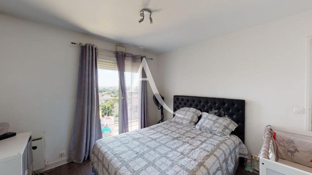 vente appartement maisons-alfort: 4 pièces 73 m², chambre à coucher avec terrasse