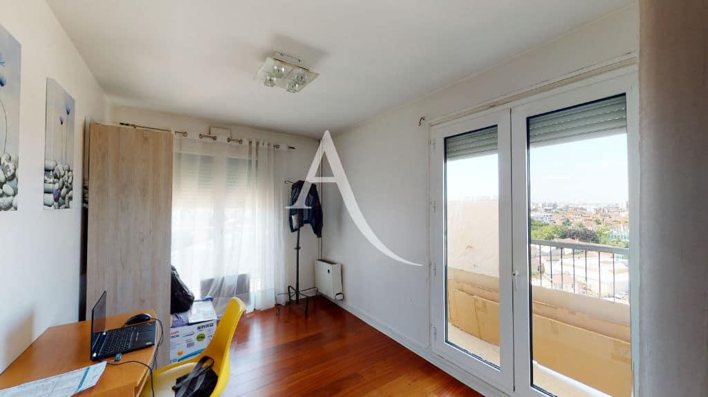 appartement à vendre maisons-alfort: 4 pièces 73 m², chambre à coucher avec coin bureau