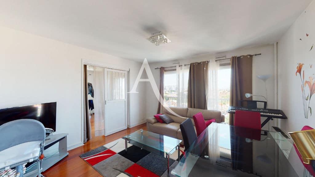 maison alfort vente appartement: 4 pièces 73 m², séjour avec parquet vitré au sol