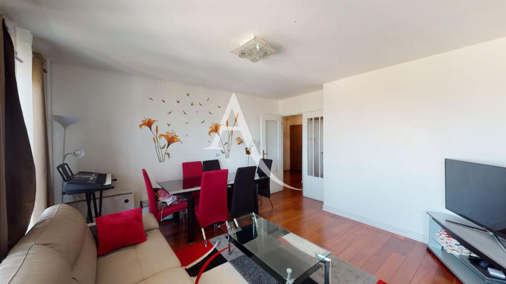 appartement à vendre à maisons-alfort: 4 pièces 73 m², séjour avec de belles baies vitrées