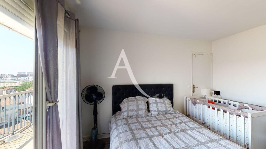appartement à vendre à maisons alfort: 4 pièces 73 m², chambre à coucher, lit double, terrasse