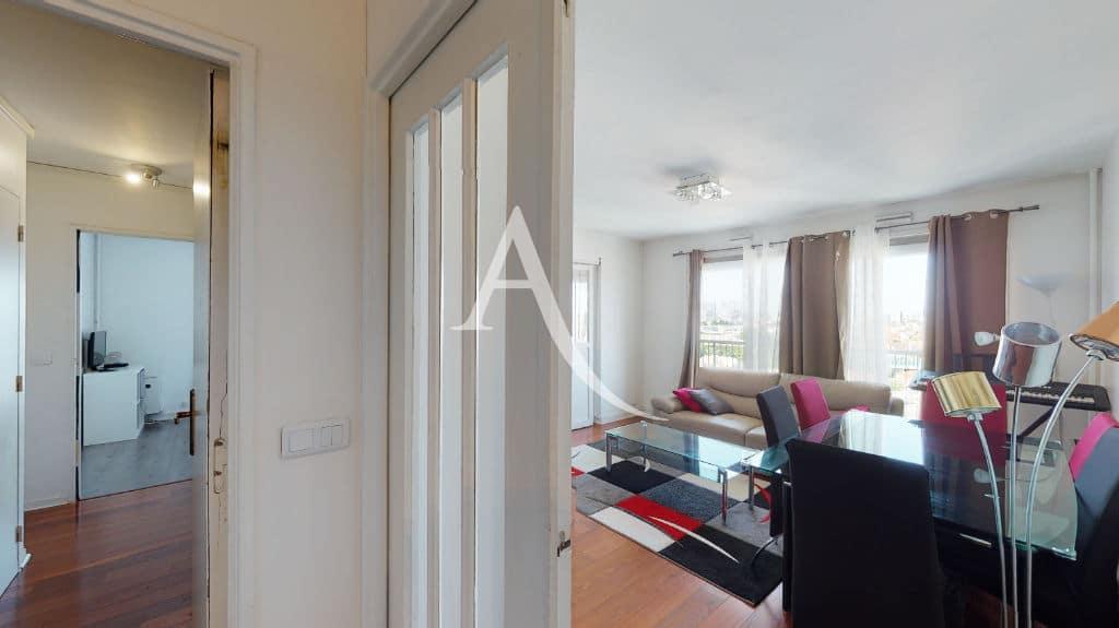 appartement a vendre maisons alfort: 4 pièces 73 m², bel espace de dégagement