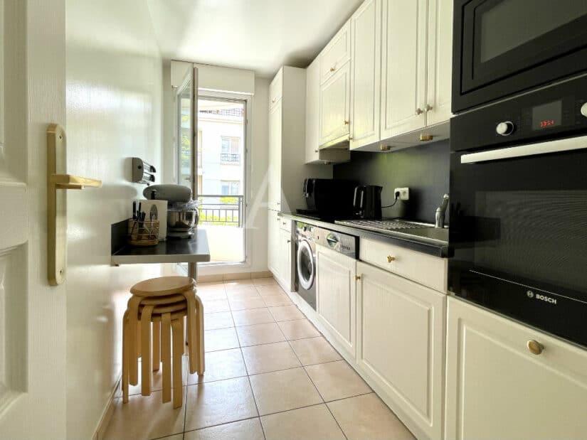 appartement à vendre à charenton-le-pont: 3 pièces 65 m², cuisine aménagée et équipée