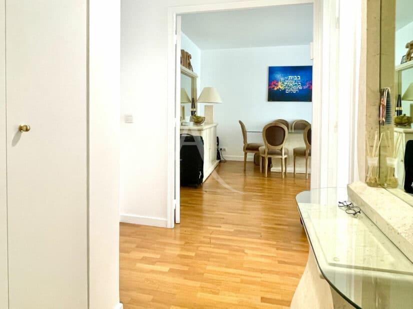 appartement à vendre à charenton le pont: 3 pièces 65 m², entrée avec penderie encastrée