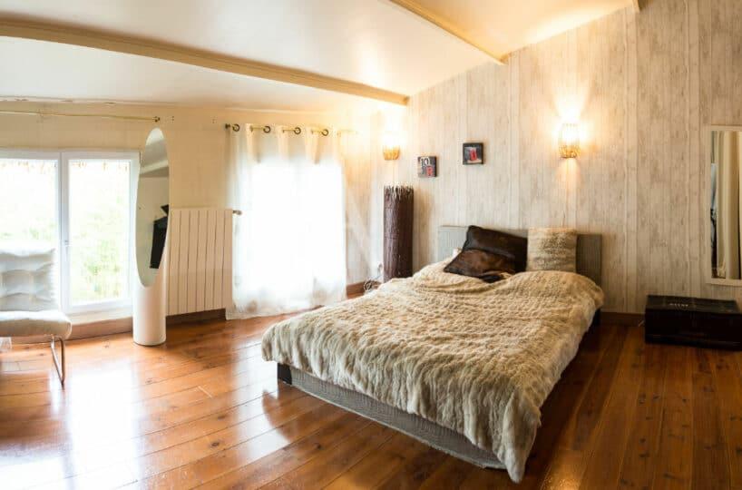 appartement vitry sur seine: 4 pièces 144 m², magnifique chambre à coucher, lit double