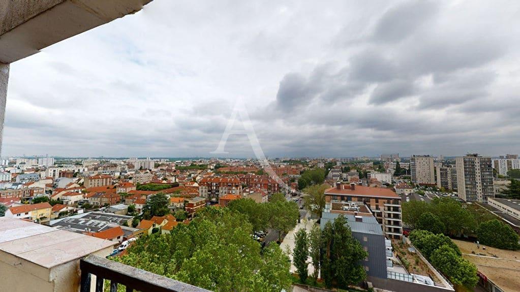 achat appartement alfortville: 2 pièces 54 m² au 12° étage avec ascenseur donnant sur une terrasse de 35 m², proche du rer d