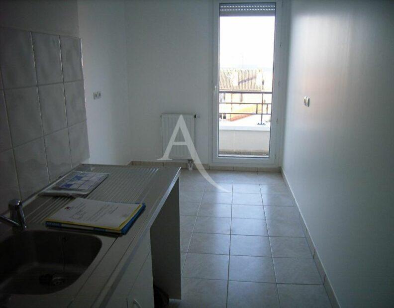 appartement alfortville location: 3 pièces 63 m², cuisine indépendante avec loggia