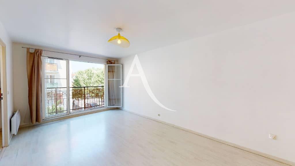 agence de location appartement: 2 pièces 44 m² avec balcon dans un immeuble récent et sécurisé appolonia, parking en sous-sol