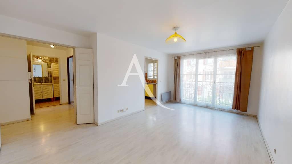 louer appartement alfortville: 2 pièces 44 m², séjour lumineux avec balcon