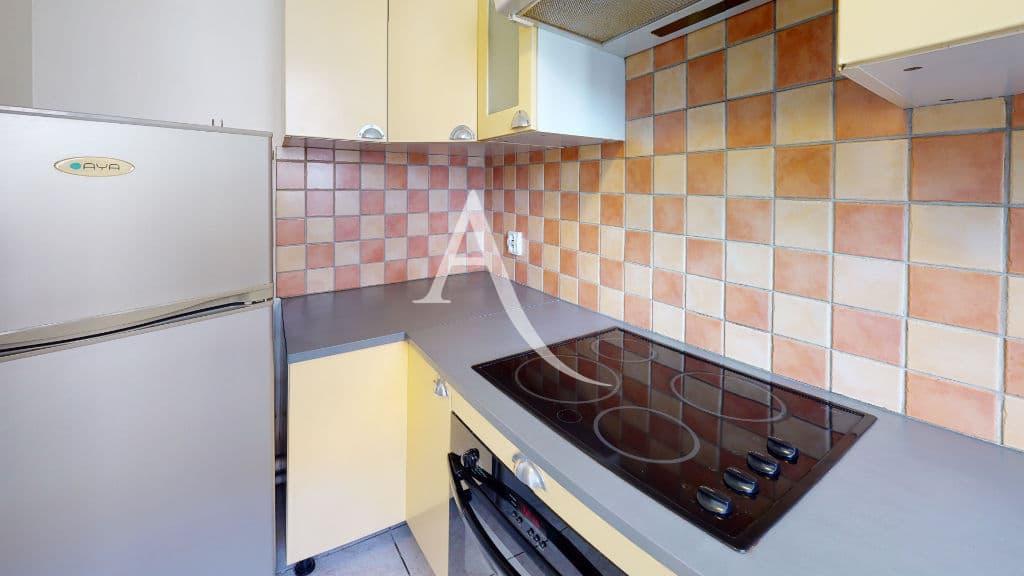 louer appartement à alfortville: 2 pièces 44 m², cuisine équipée, plaques, four, hotte
