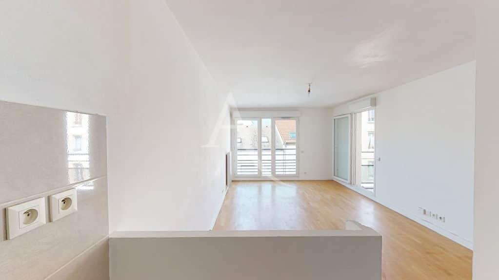 appartement à vendre à alfortville: 3 pièces 57 m², séjour avec balcon, parquet au sol